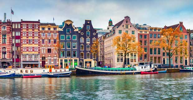 step by step guide for Pakistani stgudents to get the admission and visa of Netherlands