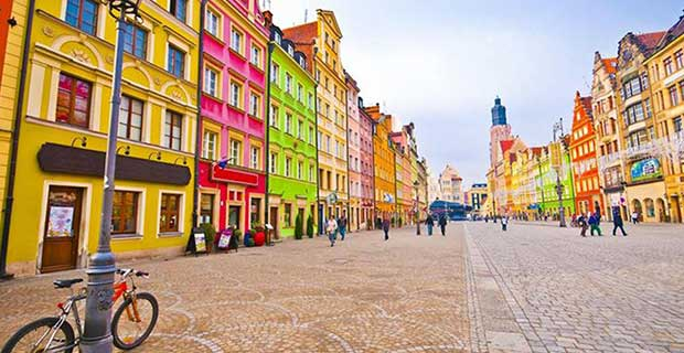 is poland affordable for Pakistani students