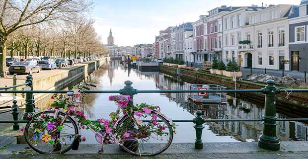 is living in Netherlands for Pakistani students is affordable