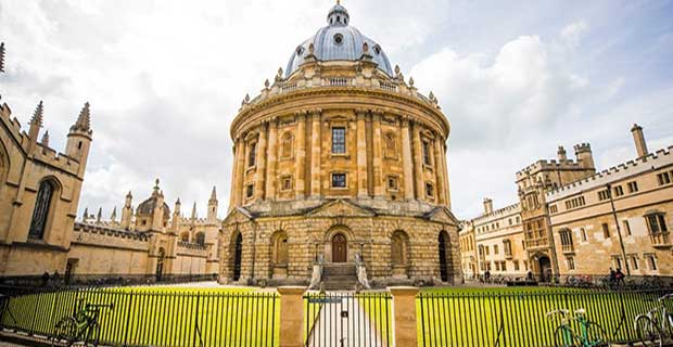 programs offered to students by rhodes scholarship